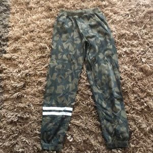 Chaser jogger pants size 7